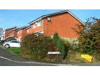 Double bedroom in three bedroom detached property, no deposit,weekly rent £98