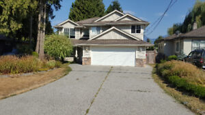 Chilliwack Beautiful Newer Home w/ Hot Tub For Rent - 2500 Sq ft
