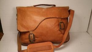 LE   SELLIER   -  sac  vintage    en     cuir     -