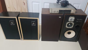 Ampli AKAI AM-U310 + HeadSet, Speaker AKAI Model CW-2500