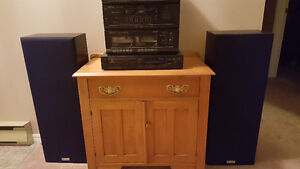 Hitachi Tower Speakers, amplifier and CD player