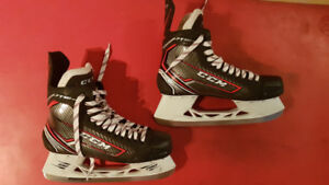 ICE SKATE CCM, Size 11 EE