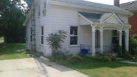 3 BEROOM HOUSE ON LARGE LOT IN NORWICH UPDATED PRIVATE SALE L@@K