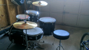 5pc Drum kit - Great for beginners