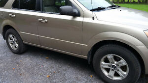 2005 Kia Sedona ls SUV, Crossover- or best offer or 20 ft traier