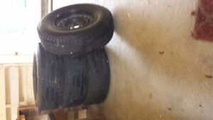 4 BF Goodrich winter tires and rims P245/75R16 109S
