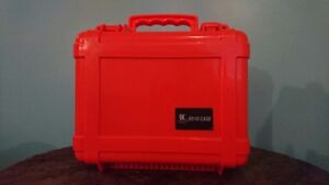 Waterproof camera/equipment case - BARELY USED & IN GREAT SHAPE