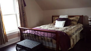 FURNISHED ROOMS - For short or long term.