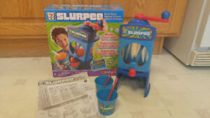 Childrens' 7 Eleven Slurpee Drink Maker
