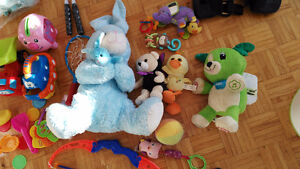 Many toys, Car seat, infant carrier