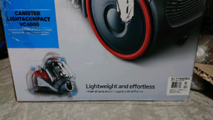 BNIB Samsunng VC4000 Canister VC with Compact & Light