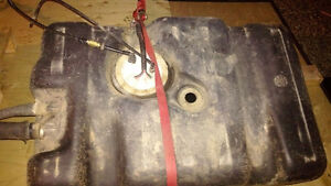 1994 Jeep Cherokee ZJ Fuel Tank and Pump