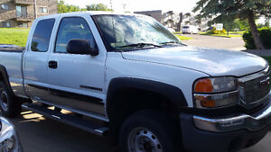 2005 GMC Sierra 2500 HD 6L Extended Cab  Selling or Trade.