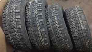 4 pneus hiver winterforce 215 60 r16 Saguenay Saguenay-Lac-Saint-Jean image 1