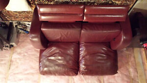 burgundy recliner loveseats