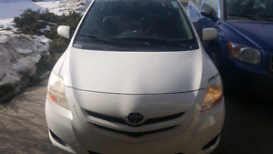 Toyota Yaris 2007 low kms 139000 price is firm