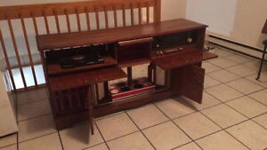 Vintage Mid-Century stereo console with key to built-in spin bar