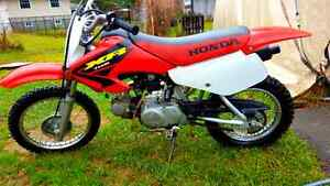 2003 xr70 with  jersey pants gloves boots and goggles