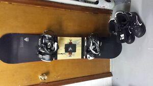 Intermediate firefly rodeo snow board with size 10 firefly boots Kingston Kingston Area image 1