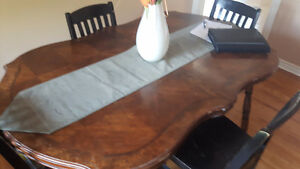 TODAY ONLY Beautiful table and chairs Cambridge Kitchener Area image 1