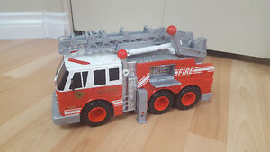 Matchbox large fire truck with sounds Gatineau Ottawa / Gatineau Area image 2