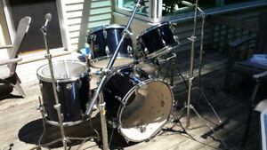Vintage late 1970's TAMA ROYALSTAR 5 piece kit includin hardware