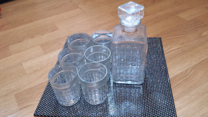 Old glass scotch set in great condition