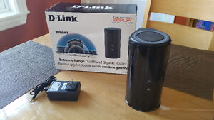 D-Link Cloud Router in excellent working and cosmetic condition.