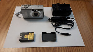 Canon S410 Comes with Li-ion Battery & all accesory