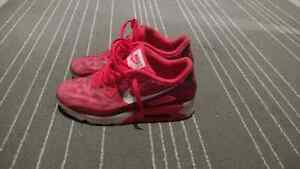 Nike air max fuchsia red really vivid colour way