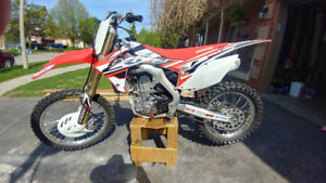 Honda 2016 CRF 450R, Like New. Reduced price.