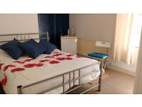 --Perfect Double Room--Perfect location!!!