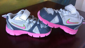 Toddle Nike Shoes, size 7C