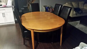 Mid century Teak table with 2 leaves