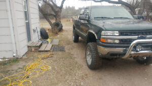 2001 Chevrolet 1500 2wd $5000 or trade for SUV