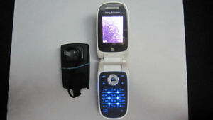Sony Ericsson Z310 cellphone Fido