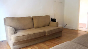Two bedroom apartment in central triplex with laundry Sarnia Sarnia Area image 2
