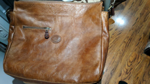 Roots Leather Messenger bag