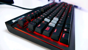 Gaming keyboard mechanical cherry mx red Corsair Strafe