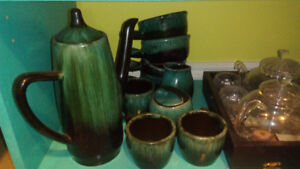 Gorgeous Blue Mountain Pottery tea/coffee set + oven soup bowls