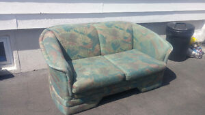 Comfortable Love seat couch.....ONLY $40 GOING CHEAP