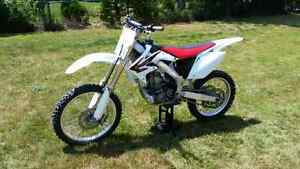 05 CRF450R  Windsor Region Ontario image 3