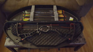 Hoyt Carbon compound bow for trade