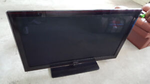 "Samsung 58"" 1080p TV, fully functional, mint condition, delivery"