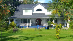 Beautiful Home on 5.63 Acres in Rayleigh B.C.