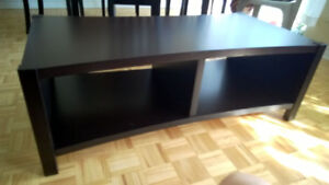 **** Beautiful Like New, Excellent Quality*** Coffee Table