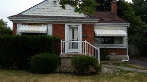 MOHAWK COLLEGE - STUDENT RENTAL - PERFECT LOCATION!