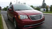 2012 Chrysler Town & Country Fourgonnette, fourgon