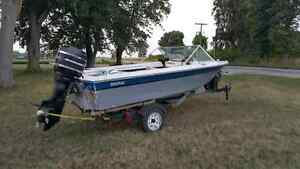 14 foot fiberglass boat in great condition