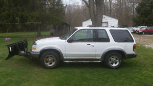 1999 Ford Explorer Sport SUV, Crossover with Snow Plow